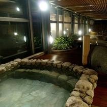 ■ 喜楽の湯 露天風呂(セントラルタワー4F大浴殿) 【夜】