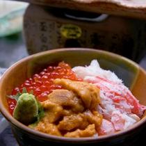 うに・かに・いくらの饗宴 三食(色)丼