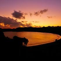 露天風呂から望む弓ヶ浜の朝景を独り占め