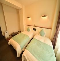 和洋ツインルーム~22㎡◇ベッドサイズ120×200 2畳の畳スペース