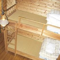 【山小屋一例】二段ベッド付きタイプ