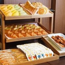 ■ご朝食一例:パンコーナー