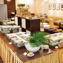 ■ご朝食一例:レストラン「シャングリ・ラ」のご朝食コーナー