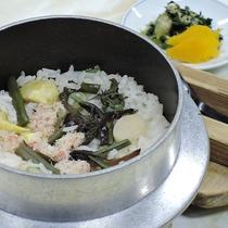 【お料理】夕食*季節の釜飯がウリです★