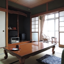 【お部屋】おまかせ和室*落ち着く広さです