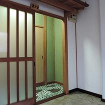 【お部屋】おまかせ和室*趣きのある入り口です