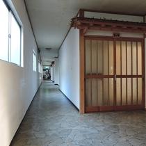 【施設】館内 2階廊下