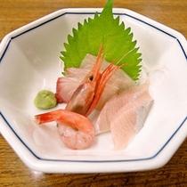*【ご夕食一例】旬の日本海の海の幸を使ったお刺身