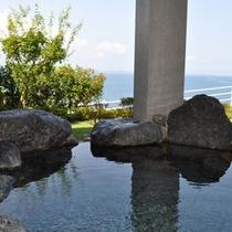 海が見える絶景が自慢の海洋深層水露天風呂