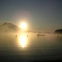 *【景観】釣りの最中にはキレイな日の出を見ることもできます。