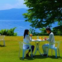 【朝食】晴れた日はプライベートガーデンで…