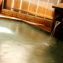 檜風呂の殿の湯