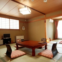 和室18畳(12畳+6畳)のお部屋です。