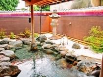 美肌効果の源泉温泉の露天風呂