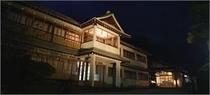 夜の外観 旧館