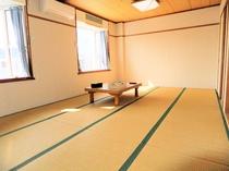 和室12畳(シャワー・トイレ付)