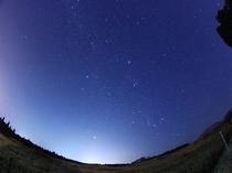 牧草地からの星空。