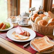 朝食:目玉焼き