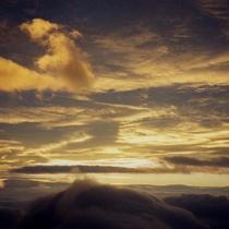 北アルプスの山頂の朝です♪
