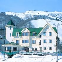 新館と八方尾根スキー場