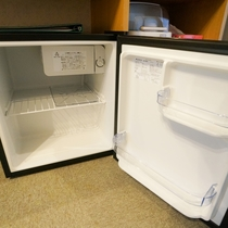 【新館:ツインルーム】冷蔵庫