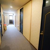 本館2F廊下