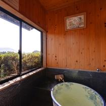 *和室(本館)/新鮮な空気が半露天にそよぐ、気持ちのいい湯浴みをご堪能下さい。