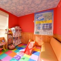 *キッズルーム/家族湯の施設内にございます。ガチャガチャ、滑り台、ぬいぐるみなど、遊び道具充実◎