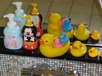 【大浴場】お子様用お風呂セット&シャンプー・ボディソープもご用意しております。