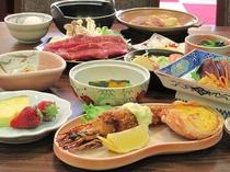 秋田錦牛のすき焼きと秋田比内地鶏のミニ陶板焼き、定番海老フライと蟹の甲羅焼き
