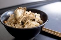 カキご飯(季節メニュー)