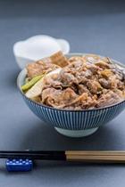 牛すき丼(日替わりメニュー)
