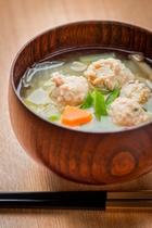 鶏団子お味噌汁(日替わりメニュー)