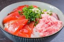 マグロのヅケとネギトロ丼(日替わりメニュー)