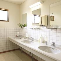 女性用洗面スペース