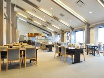 【レストラン グリーンヒル】営業時間=11:00 - 21:30 (ラストオーダーは21:00)