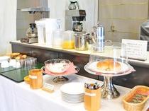【朝食セルフサービス】ご自由にお召し上がりいただけます。
