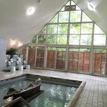 【虹マス風呂】天井も高く、広々としています!