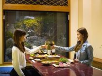 焼肉レストランの半個室でゆっくりとご夕食(浴衣でご利用頂けます)