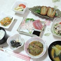 【夕食一例】屋久島の山海の恵を手軽に食べられます!