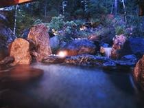 貸切露天岩風呂(225X300)