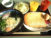 大人気の無料朝食