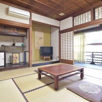 *客室一例/趣のある客室でのんびりとお寛ぎ頂けます。