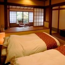 【旅籠 八幡野】ツインベッドの寝室