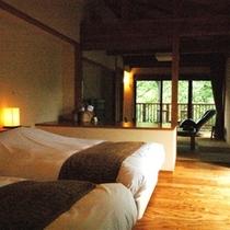 【別邸 山の音 50平米】ツインベッドルームに、居間とテラス付きの広々としたお部屋
