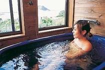 展望風呂からは日本海、夕陽を眺めながら....