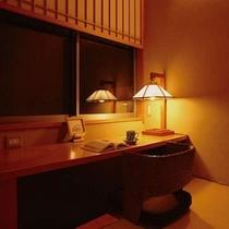 【本館B】読書室。冬は床暖房で快適な空間。