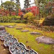 施設/離れに庭
