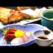 【和Bコース】新鮮なお刺身付きのお食事です。