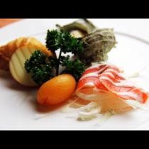 前菜も彩鮮やかで視覚でもお料理を楽しめます